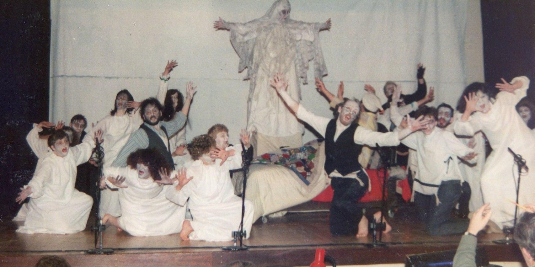 Fiddler on the Roof, 1991 (www.lmvg.ie) (28)