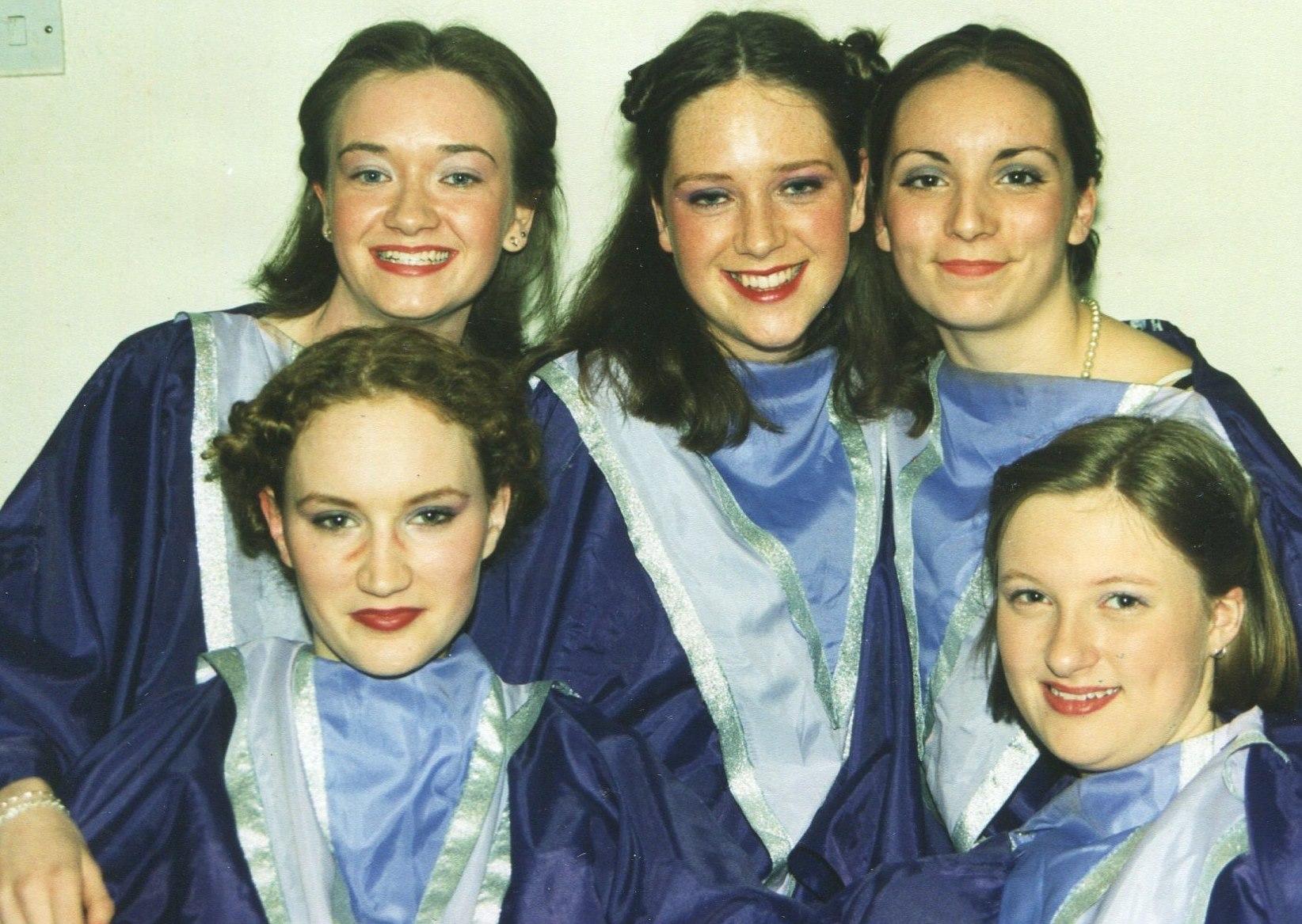 Guys and Dolls 1998 (www.lmvg.ie) (28)