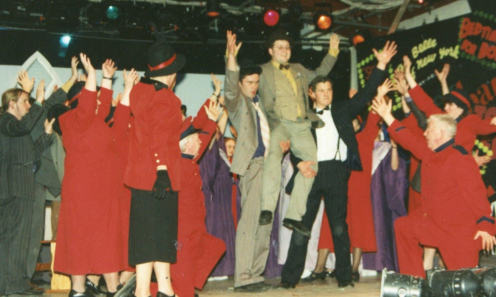 Guys and Dolls 1998 (www.lmvg.ie) (59)