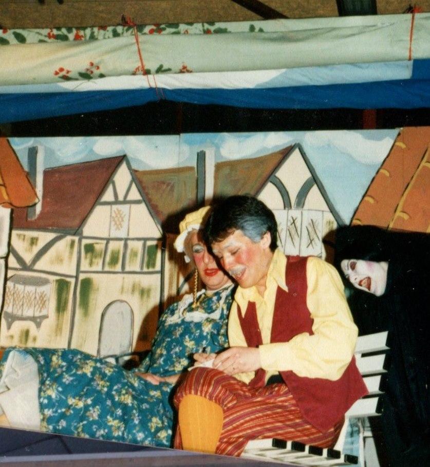 Hickory Dickory Dock, 1986 (www.lmvg.ie) (22)