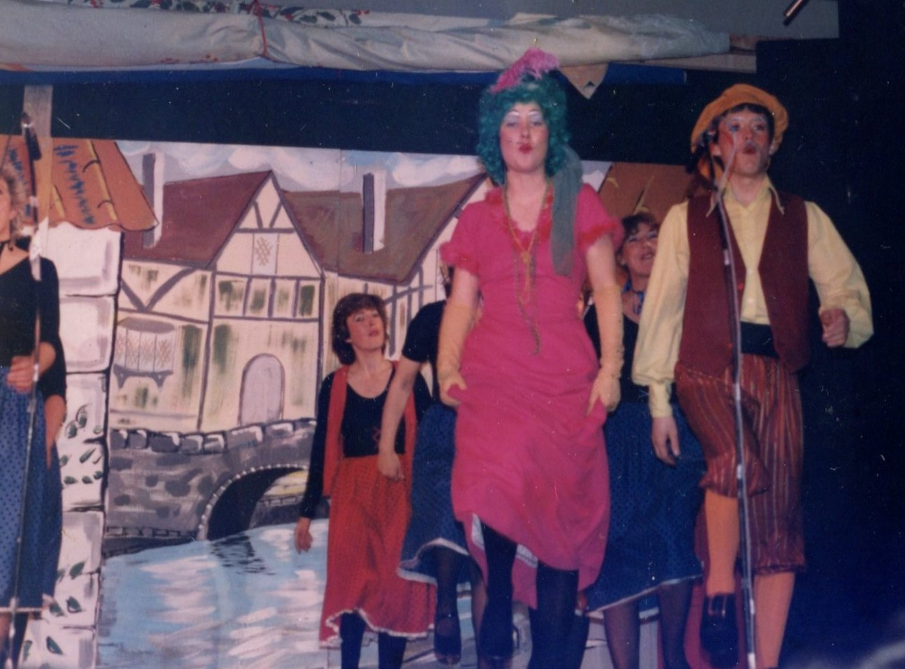 Hickory Dickory Dock, 1986 (www.lmvg.ie) (41)